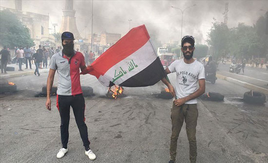 تجدد الاحتجاجات جنوبي العراق وقوات الأمن تحاول تفريقها