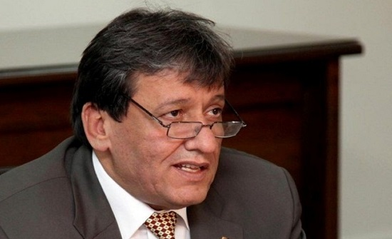 وزير النقل يبحث مشاريع القطاع مع مدير البنك الأوروبي لإعادة الاعمار