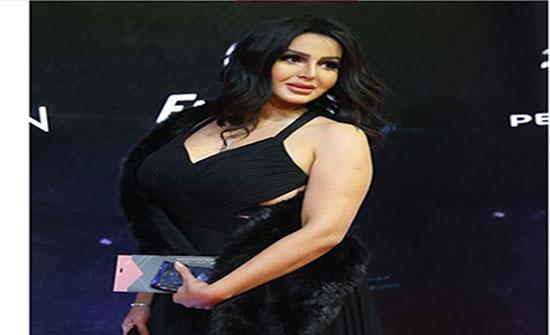 بالفيديو - بعد قضيتها مع خالد يوسف... شيما الحاج تقدم وصلة رقص هدية