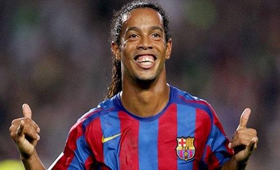 رونالدينيو: سعادة نيمار أهم من العودة لبرشلونة