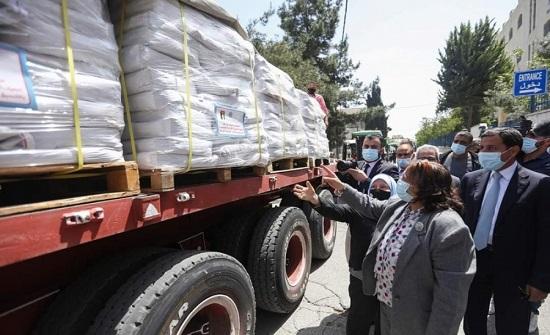 وزارة الصحة الفلسطينية تتسلم شحنة مساعدات طبية أردنية