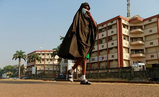 مسلحون يخطفون عشرات الفتيات من مدرسة في نيجيريا