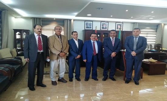 وفد اتحاد الأكاديميين والعلماء العرب يزور جامعة آل البيت بالمفرق