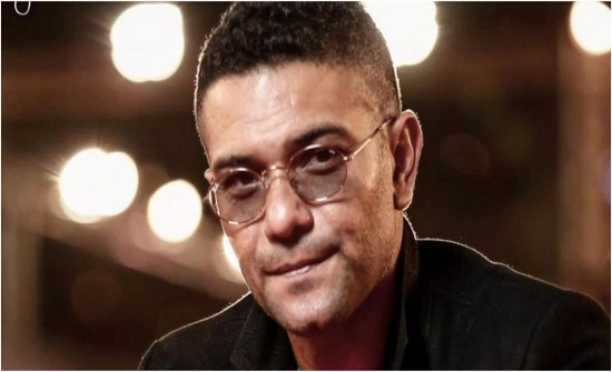 آسر ياسين يتعرض للضرب المبرح من 5 أشخاص (فيديو)