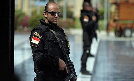 10 قتلى و7 جرحى باشتباك مسلح بين عائلتين في مصر