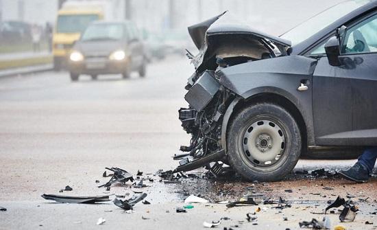 6 إصابات بحادث تصادم في عمان