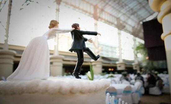 الهند :عريس يفاجئ عروسته بالهروب من حفل زفافه