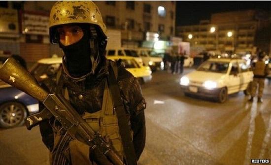مقتل وإصابة سبعة مدنيين ورجال أمن بتفجيرين شرقي العراق