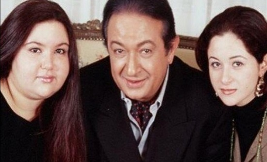 بنشر مجموعة من الصور.. مي نور الشريف تحيي الذكرى الخامسة لوفاة والدها