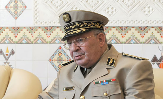 """قايد صالح: انتخابات الرئاسة """"بوابة الخروج من الأزمة"""" بالجزائر"""