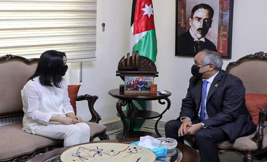وزير الثقافة يلتقي مديرة مكتب اليونسكو في عمّان