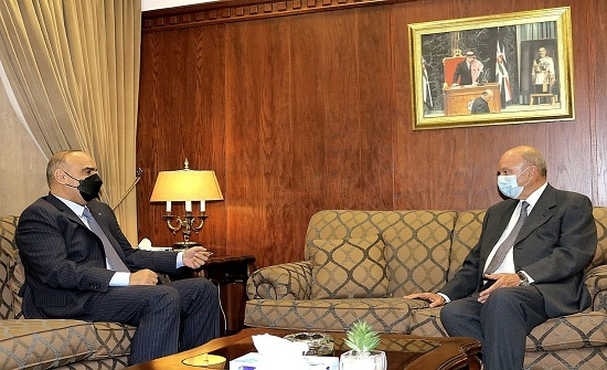 رئيس الوزراء يلتقي رئيس مجلس الاعيان