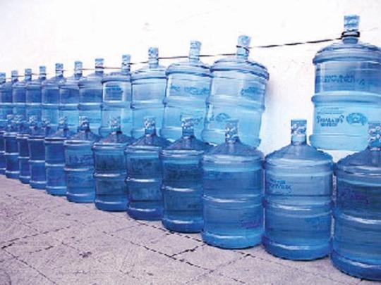 الحكومة: السماح لمحال بيع المياه بالعمل حتى الخامسة مساء