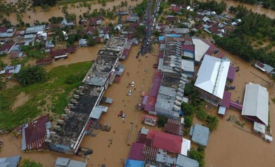 مقتل 4 أشخاص في سومطرة الاندونيسية بسبب الأمطار