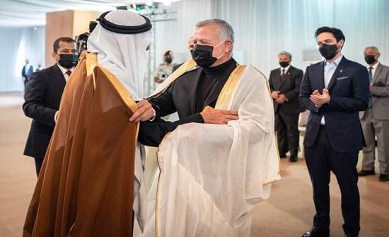 الملك يلتقي شيوخا ووجهاء وممثلين عن المجتمع المحلي في محافظة الكرك- صور