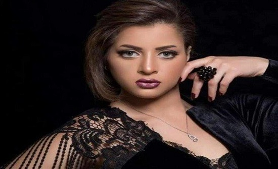 بصورة من المستشفى.. منى فاروق تكشف عن تعرضها لوعكة صحية