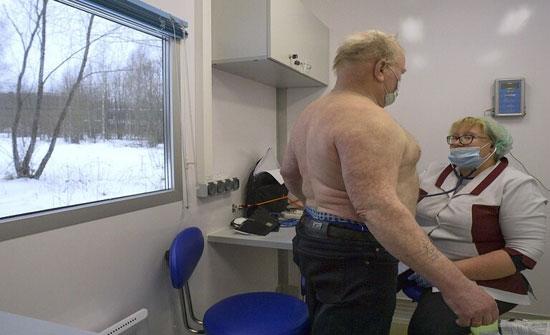 """علماء: السمنة تقلل كمية المضادات في جسم الإنسان بعد التطعيم ضد """"كوفيد - 19"""""""
