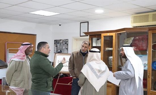 صور : وفد من أعضاء جمعية بشائر الخير الخيرية  الكويتية يزور ادارة المخدارت