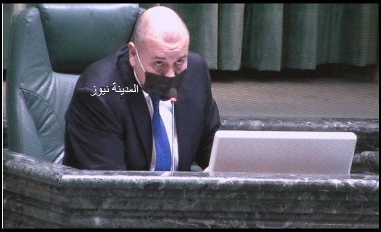 العودات يؤكد رفضه المساس بالمكانة الدستورية لموقع رئيس الوزراء