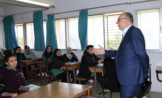وزير التربية المكلف يتفقد سير العملية التعليمية بعدد من المدارس
