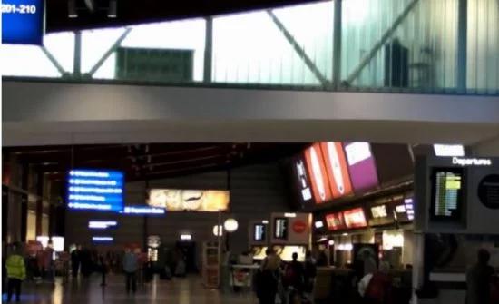 """بالفيديو : ما حدث في مطار """"لندن لوتن""""فضيحة لبريطانيا"""