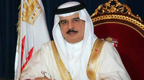 رئيس البرلمان العربي يُثمن دور العاهل البحريني في تعزيز العمل الخليجي المشترك