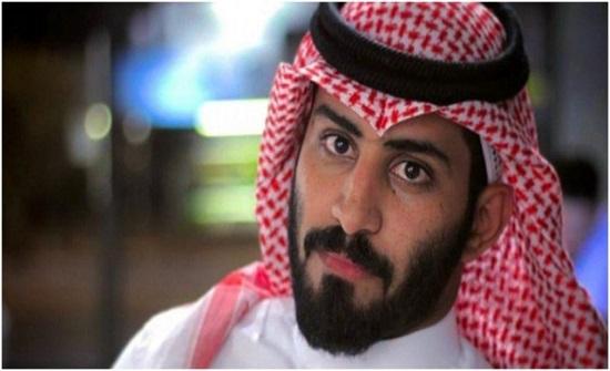 السعودي عبد الرحمن المطيري يتعرض لفقدان الذاكرة إثر سقوطه من على ظهر الخيل