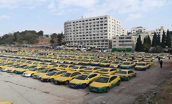 نقابة أصحاب السيارات العمومية تطالب بحوافز للقطاع