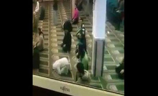 شاهد وفاة مصلي أثناء ركوعه بمسجد (فيديو)
