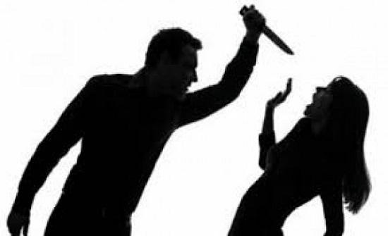 بطلة فيلم إباحي.. رجل يشرع بقتل زوجته بعد رؤيتها تمارس الرذيلة