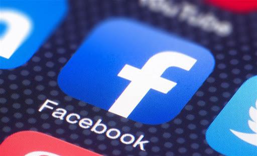 امريكا : فتاة تنهي حياتها الزوجية بسبب صورة لزوجها على فيسبوك !