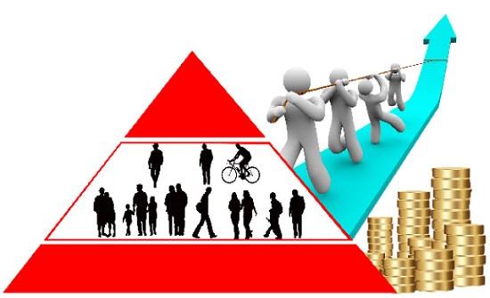 اقتصاديون: الطبقة الوسطى صمام أمان للمجتمعات