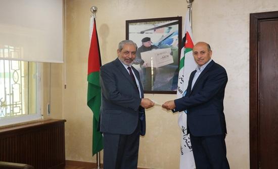 جمعية المركز الإسلامي تقدم تبرعا نقديا لدعم الصمود الفلسطيني