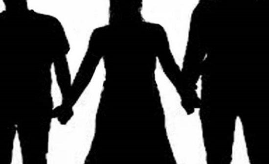 مصرية تجمع بين زوجين في وقت واحد