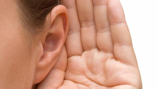 يسبب فقدان السمع .. طبيب يحذر من الموجة الثانية لفيروس كورونا