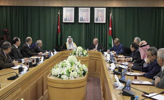 الفايز يبحث مع سفير خادم الحرمين الشريفين العلاقات الاردنية السعودية