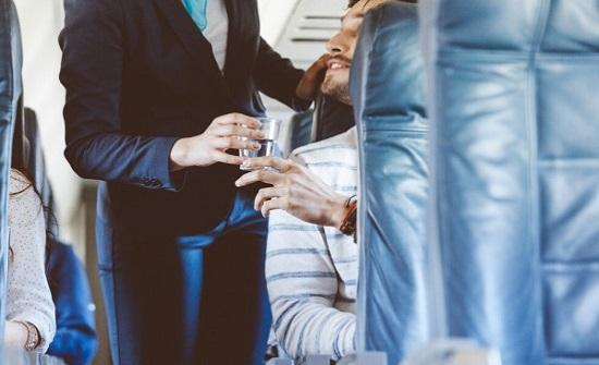 حقائق تجعلك تمتنع عن شرب الماء والقهوة والشاي على متن الطائرة