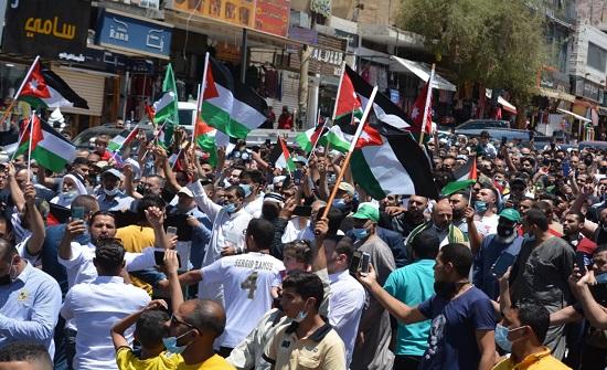 مسيرة حاشدة بالعقبة للتنديد بالاعتداءات على الاقصى وغزة
