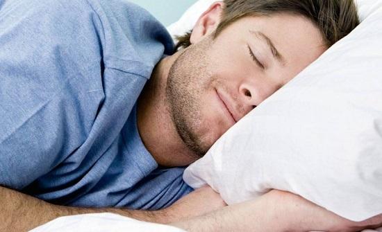 """تجنب هذه الوضعية في النوم لتفادي خطر الإصابة بـ""""الزهايمر"""""""