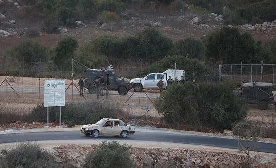 الجيش الإسرائيلي يعتقل فلسطينيا بزعم دهسه مستوطنة قرب رام الله