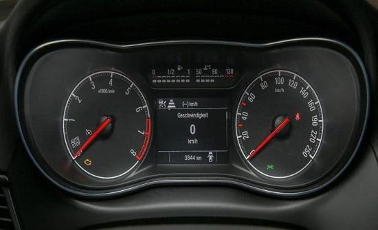 قبل شراء سيارة مستعملة.. كيف تكتشف التلاعب بعداد الكيلومترات؟