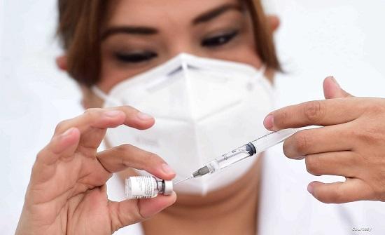 الصحة : إجراءات بحق غير متلقي اللقاح بدءا من آب (تفاصيل)