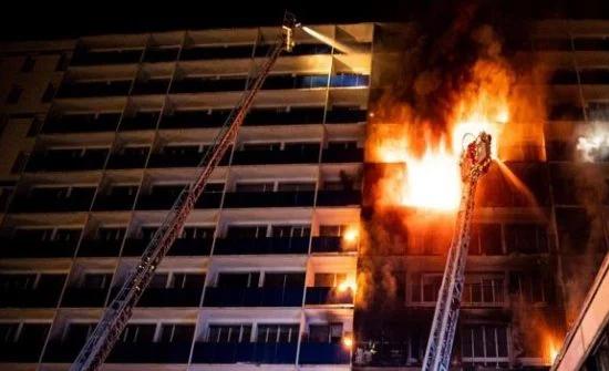 بالفيديو : مقتل شخص وإصابة 8 في حريق مستشفى بباريس
