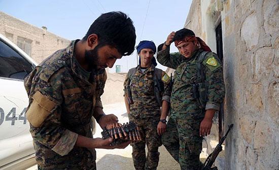 وحدات كردية بسوريا تبدأ سحب مقاتليها من الحدود مع تركيا