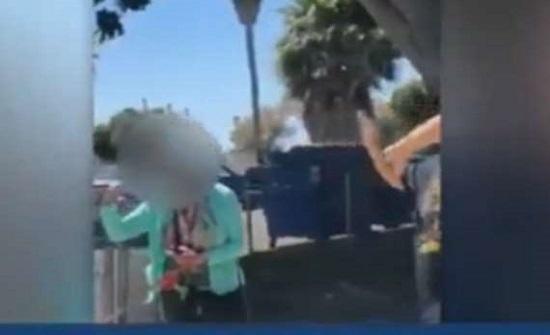 امريكا : امرأة تهاجم رجلاً بمادة حارقة لعدم ارتداء كمامة