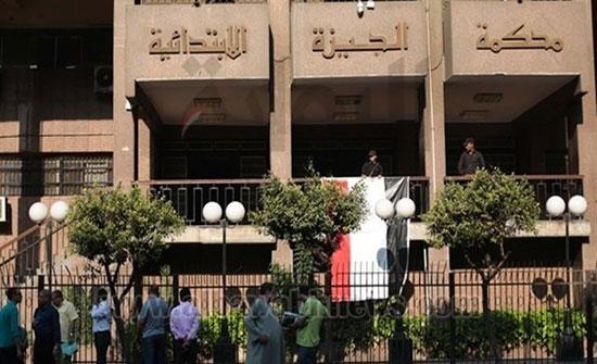 """تخفيف أحكام إعدام 8 مصريين للمؤبد قبل """"مليونية الرحيل"""""""