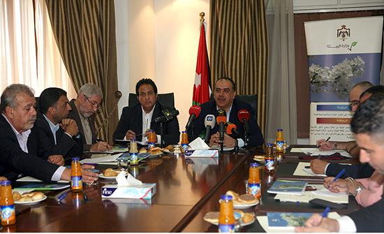 الشحاحدة يستعرض أهم انجازات وزارة البيئة