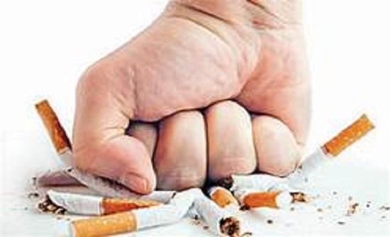 بعد تحذير الصحة العالمية من أضرار التدخين.. تعرف على حقيقة ارتباطه بفيروس كورونا