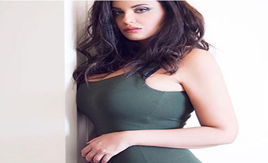 دانا حمدان بفستان اسود مثير يبرز جسدها .. شاهد