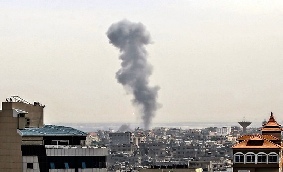 الاحتلال يقصف مقر الهيئة المستقلة لحقوق الانسان في غزة